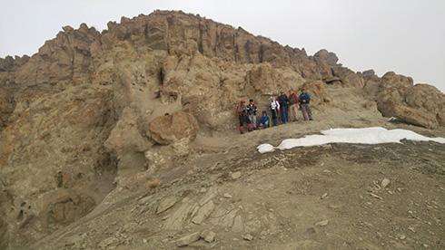 گروه کوهنوردی پرسون - تیغه های بلند قله بند عیش