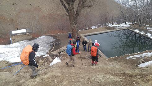 گروه کوهنوردی پرسون - دره حصارک - چشمه