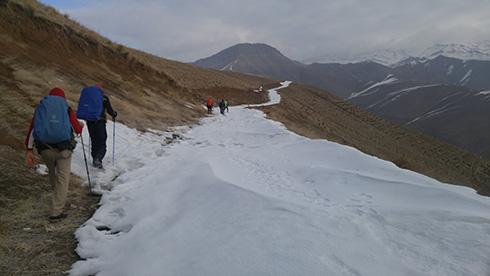 گروه کوهنوردی پرسون - جاده ی برفی قله بندعیش