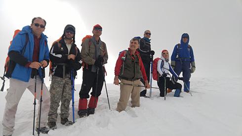 گروه کوهنوردی پرسون - قله پر از برف بند عیش