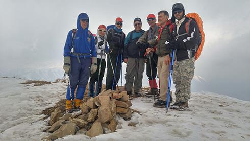 گروه کوهنوردی پرسون - سنگ چین قله بند عیش
