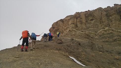 گروه کوهنوردی پرسون - دامنه قله بند عیش